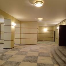 Боядисване с латекс във фоайето